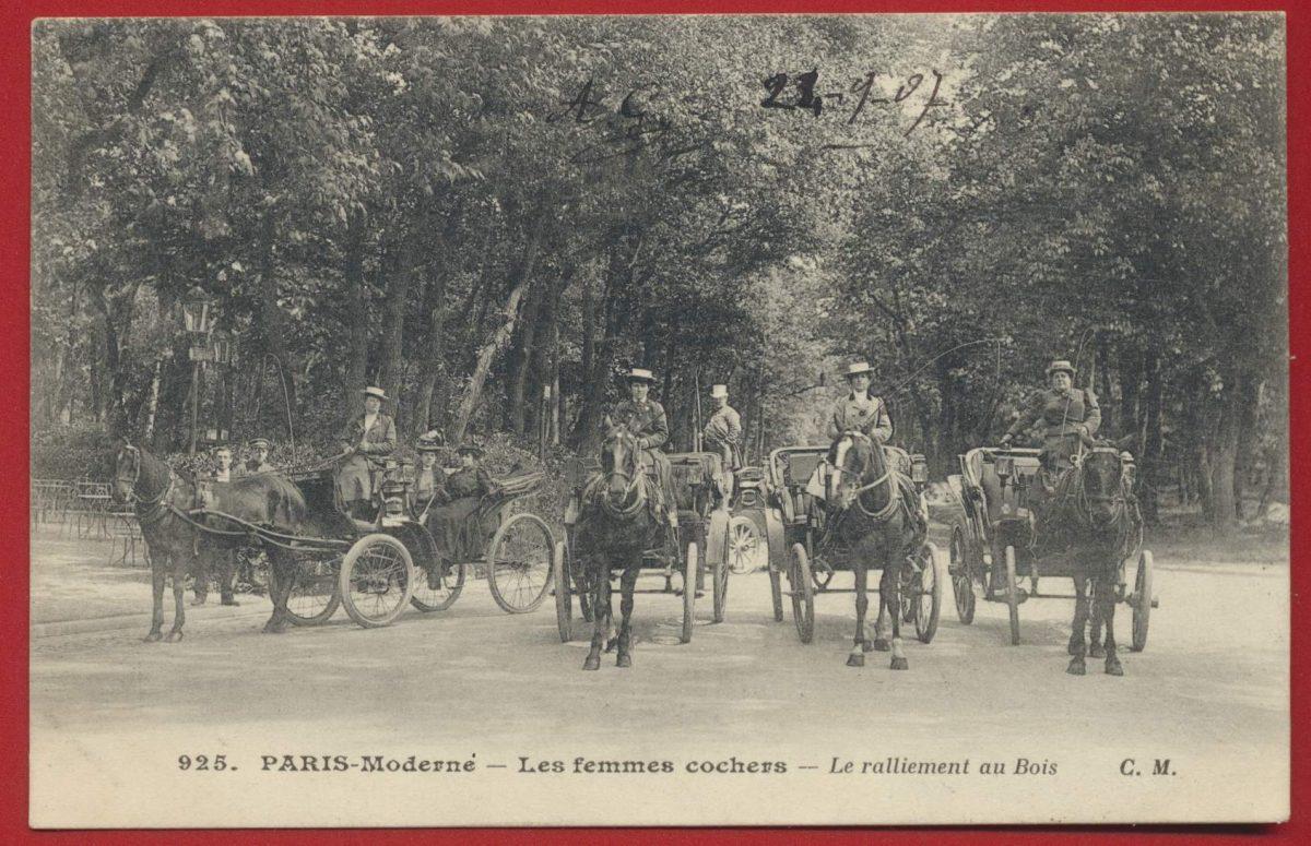 CPA Paris Moderne - Les femmes cochers - Le ralliement au bois