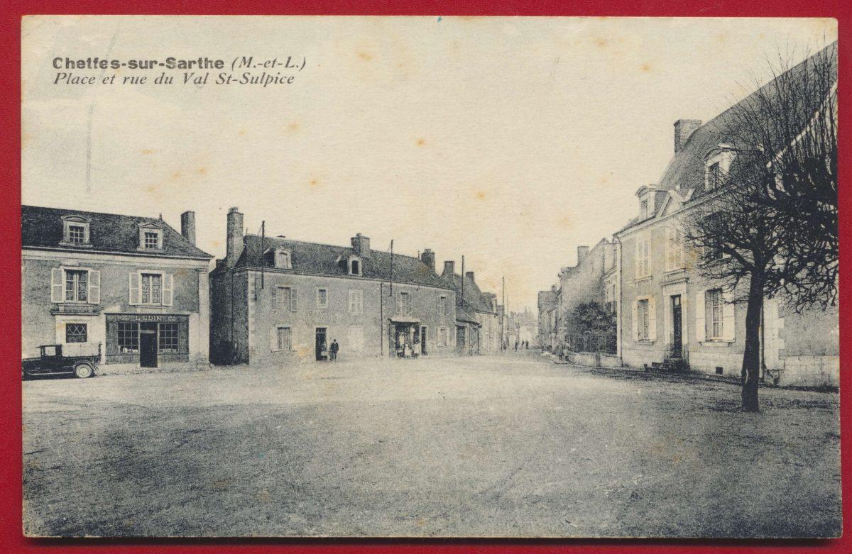 CPA Cheffes sur sarthe Place et rue du val st sulpice