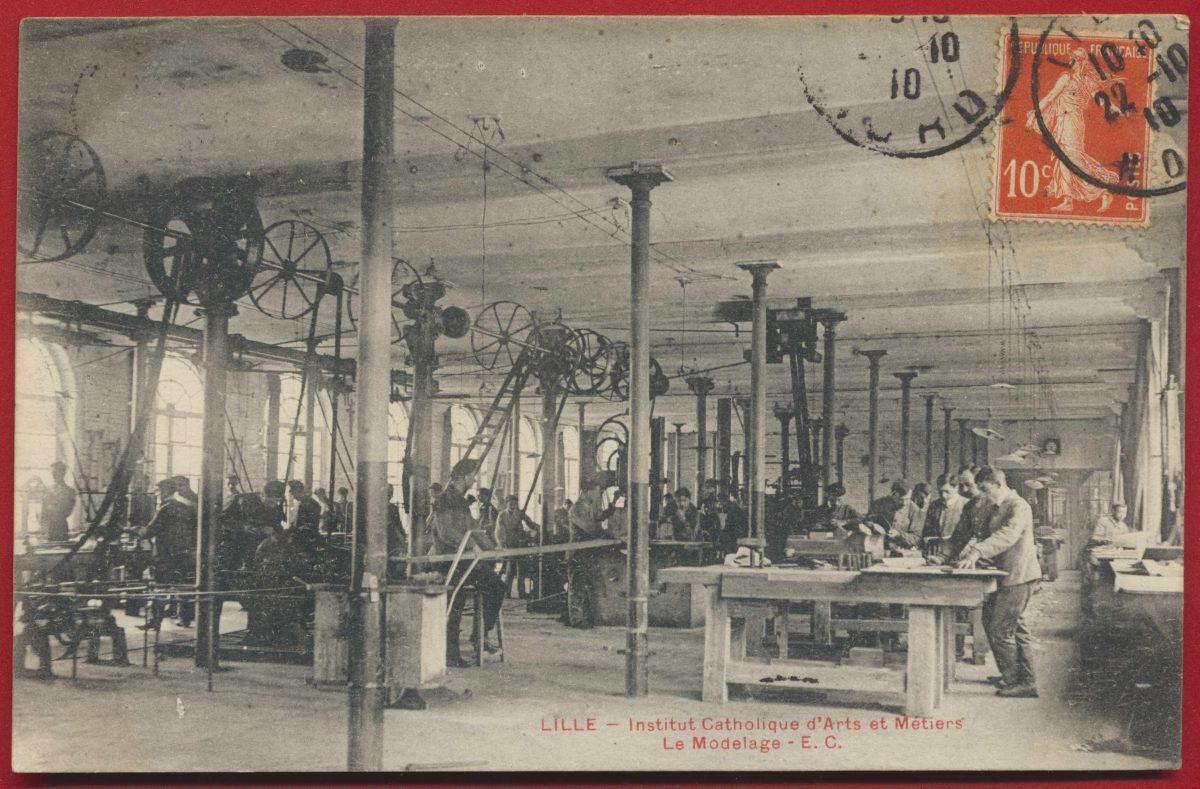 CPA Lille Institut catholique des arts et metiers le modelage