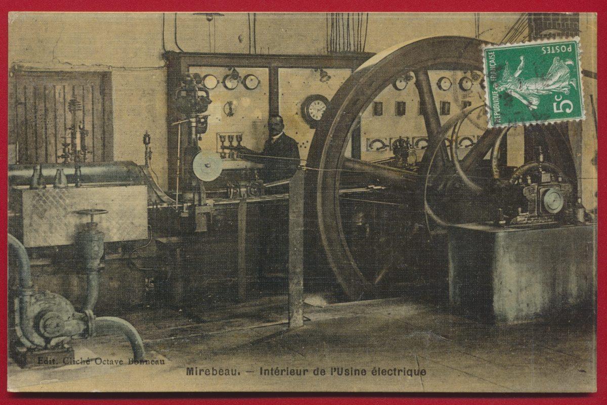 CPA Mirebeau - Interieur de l usine electrique