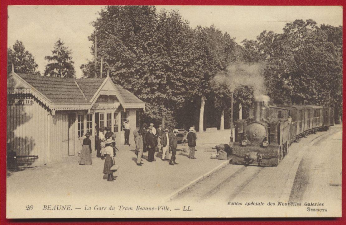 CPA Beaune La gare du tram Beaune-ville