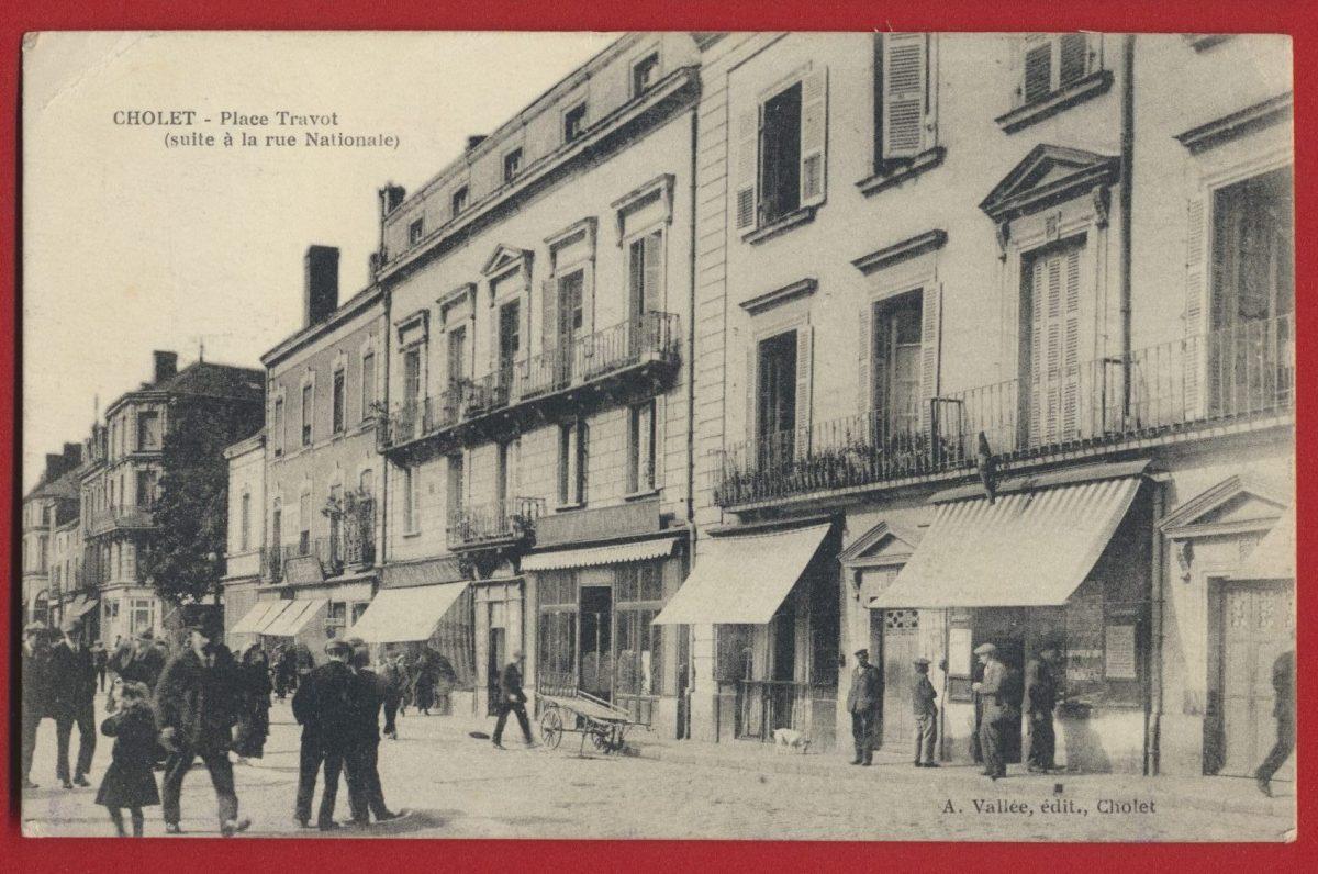 cpa-cholet-place-tavot-suite-a-la-rue-nationale