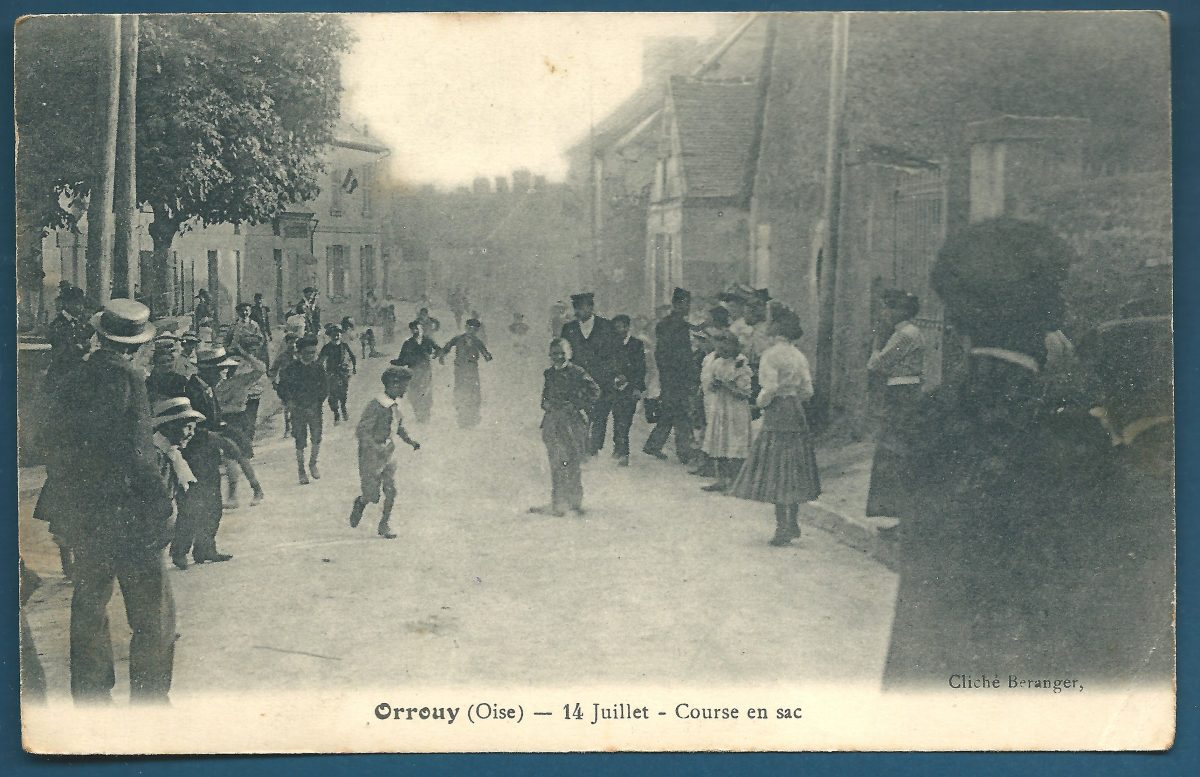 cpa-orrouy-course-en-sac 14 juillet