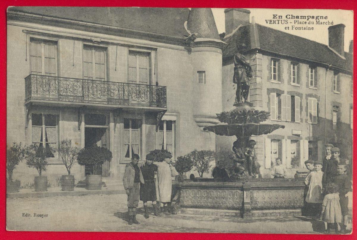 cpa-vertus-place-du-marche-et-fontaine