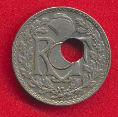 5-centimes-lindauer-1936-fautee-trou-decentree-av