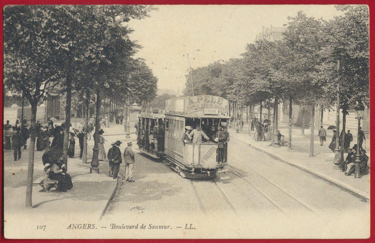 cpa-angers-boulevard-de-saumur-tramways-anime