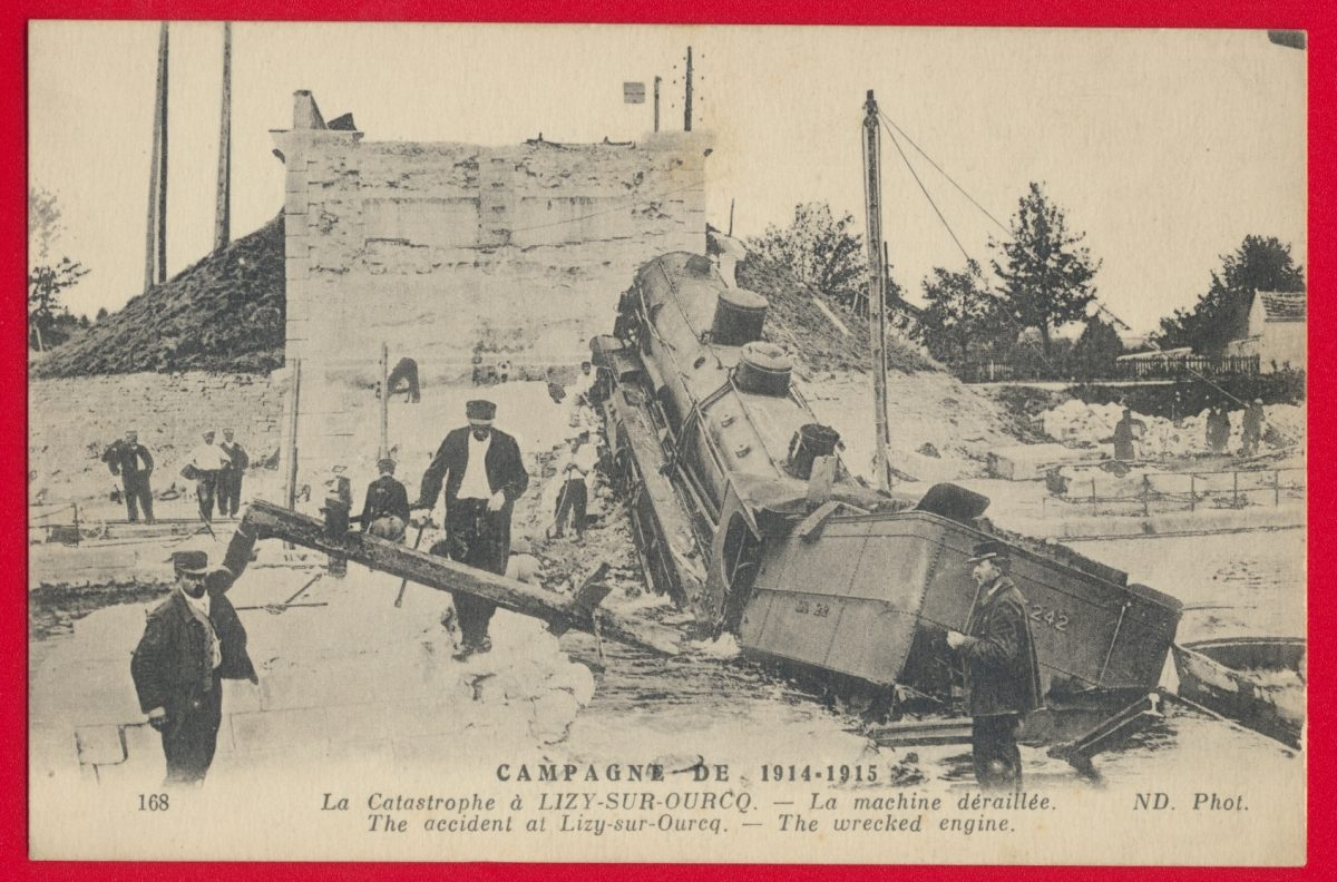 cpa-campagne-1914-1915-catastrophe-lizy-sur-ourcq-la-machine-deraillee-wrecked-engine-accident