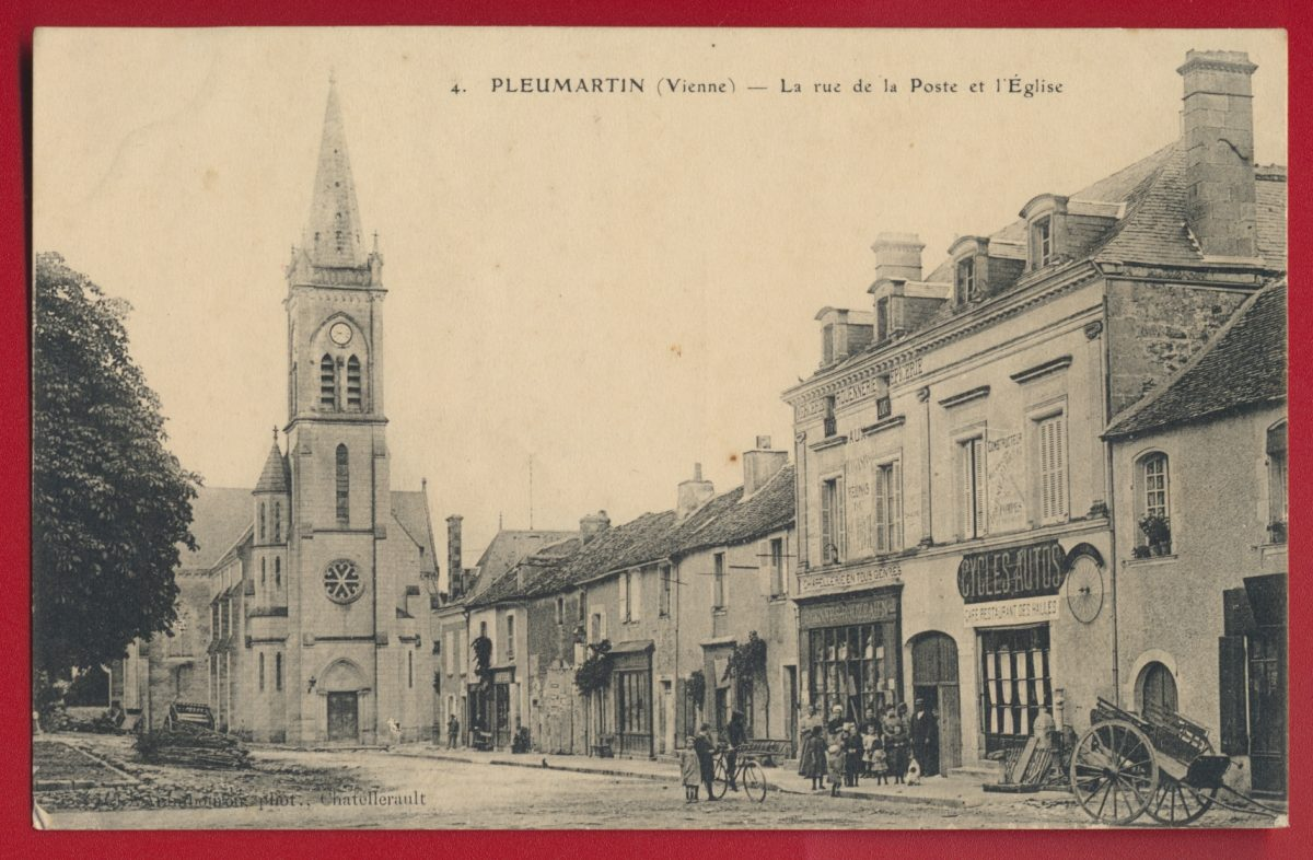 cpa-pleumartin-vienne-rue-poste-eglise