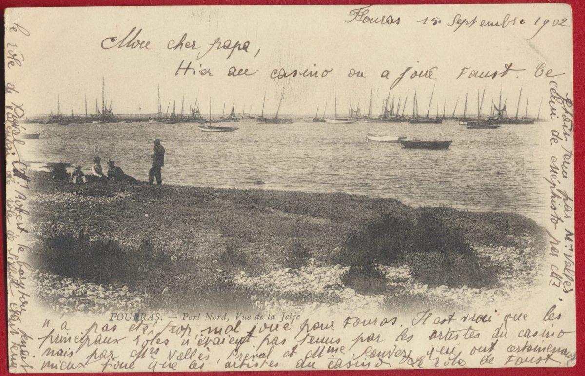 cpa fouras port nord vue de la jetée