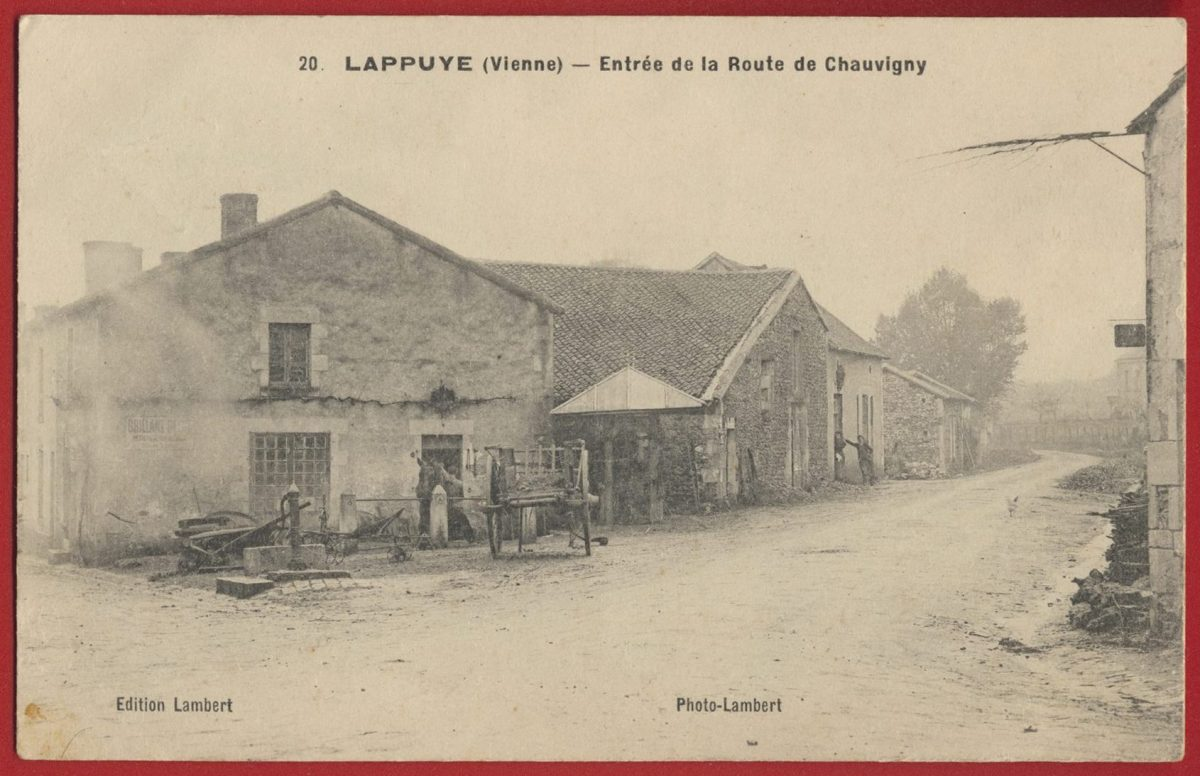 cpa-lappuye-vienne-entree-route-chauvigny