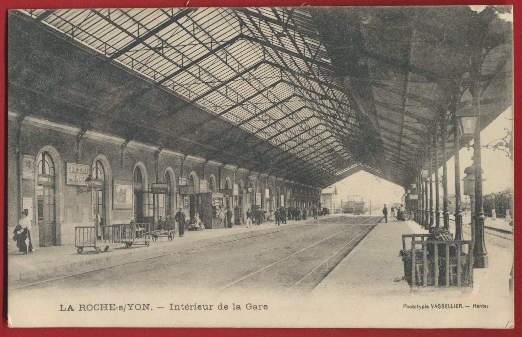 cpa-roche-sur-yon-interieur-gare