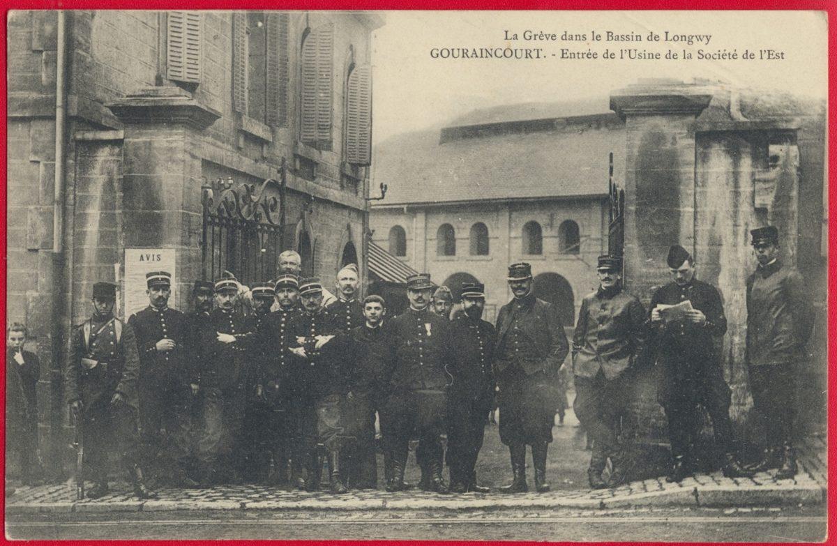 cpa-gouraincourt-entree-usine-societe-est-bassin-longwy-greve