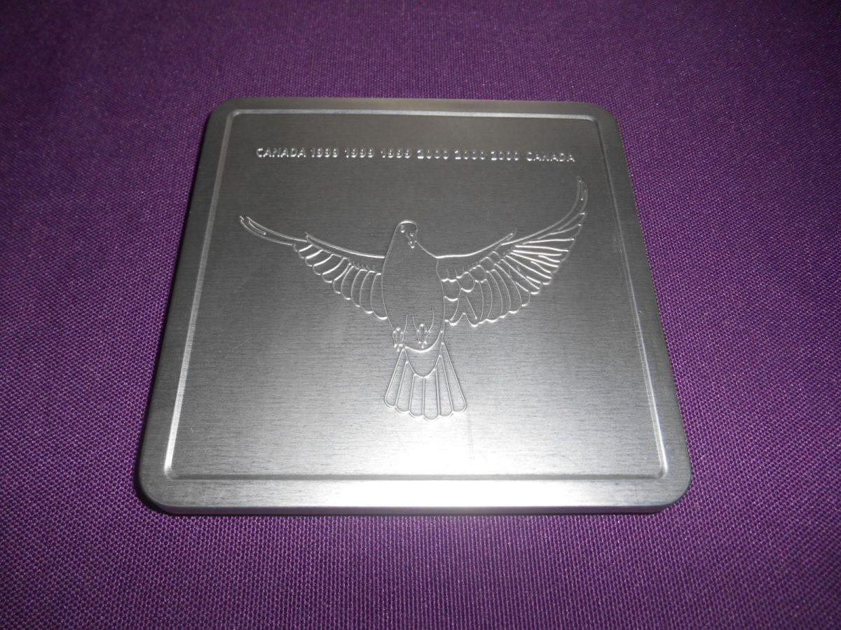 coffret-philatelique-medaille-milleniimum-canada-1999-2000