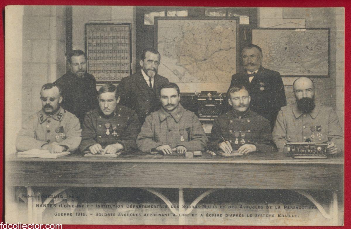 cpa-nantes-institution-departementale-sourds-muets-aveugles-persagotiere-guerre-1916-soldats-apprenant-lire-ecrire-systeme-braille