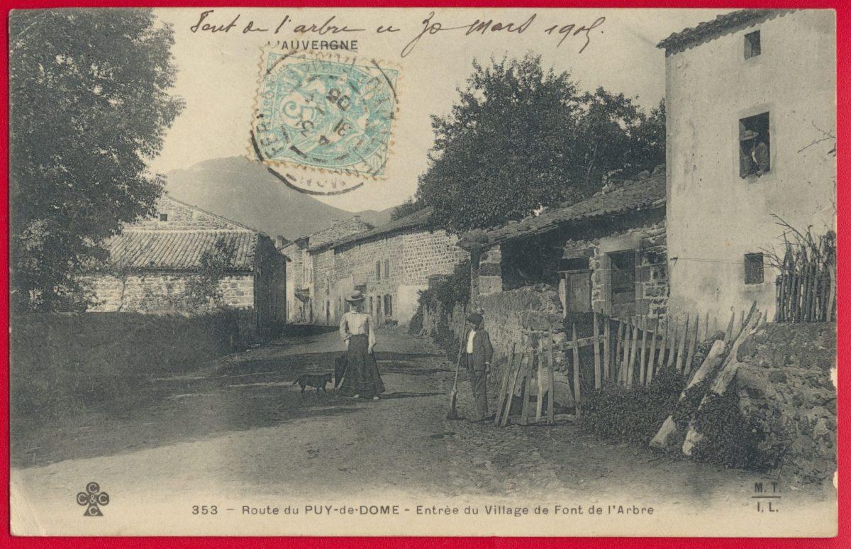 cpa-route-puy-dome-entree-village-font-arbre