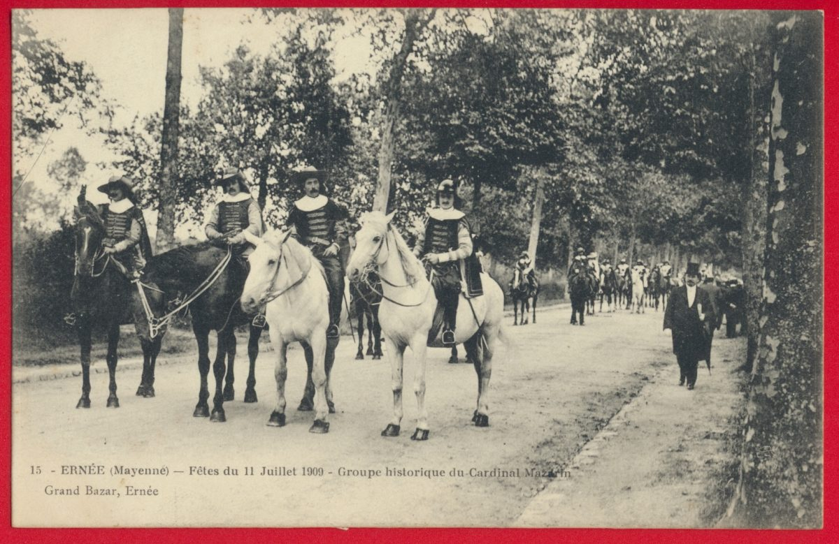 cpa-ernee-mayenne-fetes-11-juillet-1909-char-groupe-historique-cardianal-mazarin