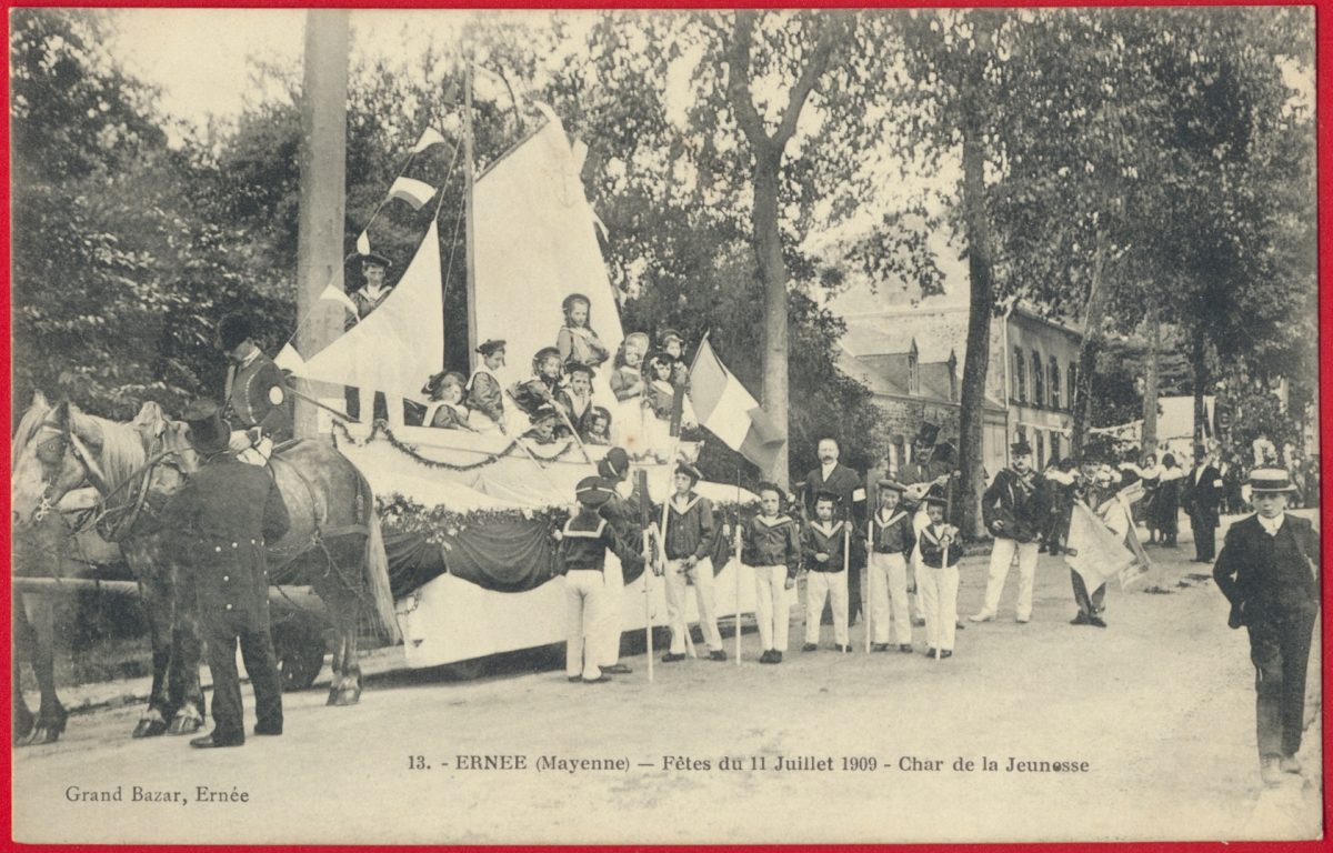 cpa-ernee-cavalcade-fetes-11-juillet-1909-char-jeunesse