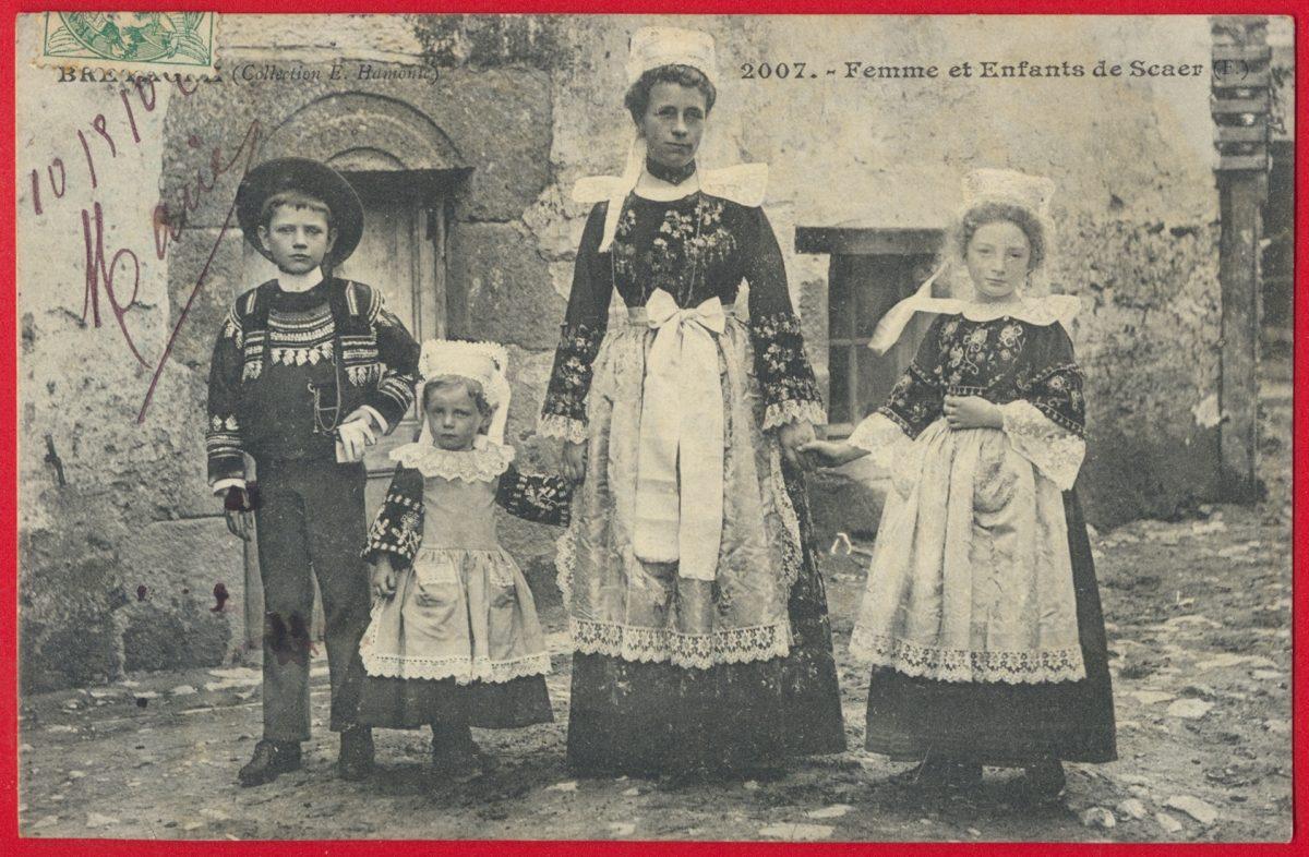 cpa-femme-enfants-scaer-bretagne