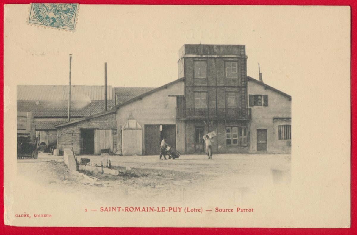 cpa-saint-romain-puy-loire-source-parrot