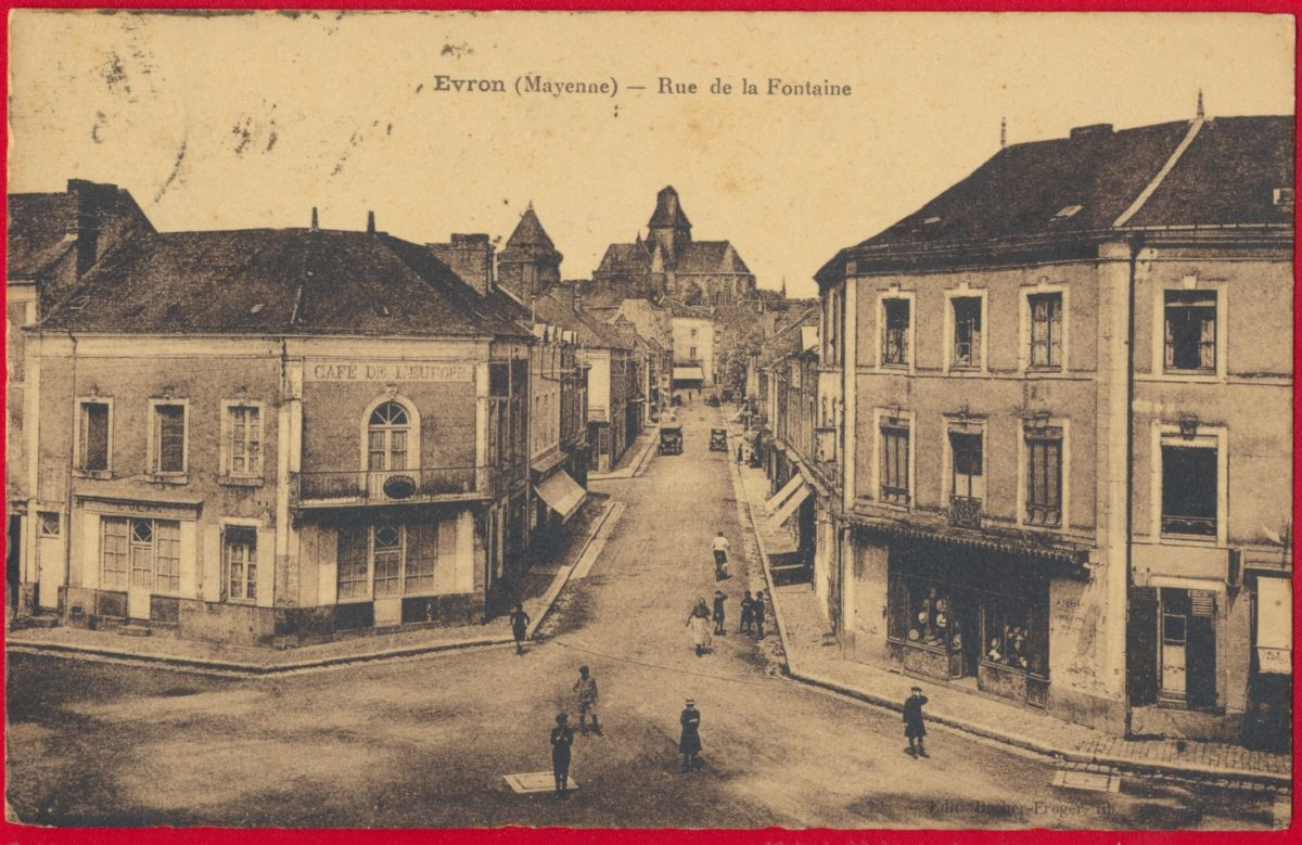 cpa-mayenne-evron-rue-fontaine