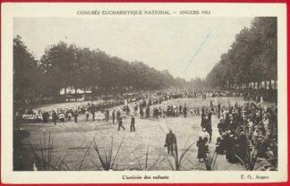 cpa-angers-1933-congres-eucharistique-arrivee-enfants